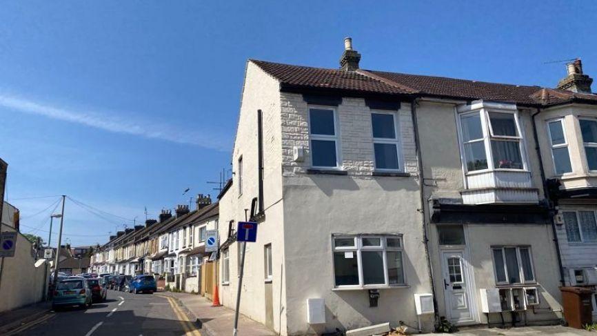 1A & 1A Jeyes Road, Gillingham, Kent, ME7 5XD